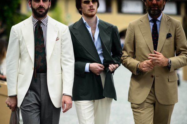 renata ホワイトジャケット 着こなし