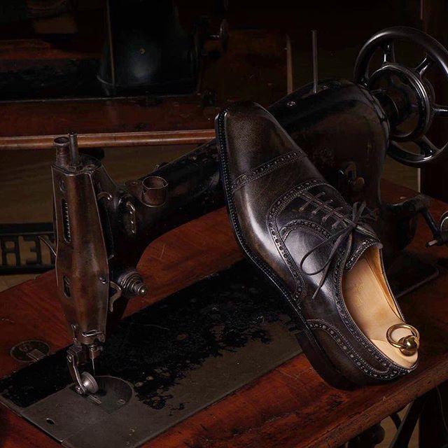 renata イタリア 革靴 ブランド